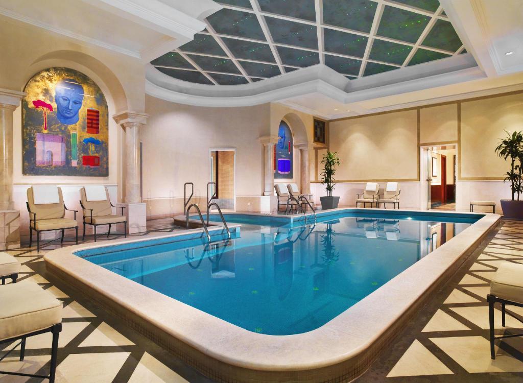 CC Travel Hub - The Westin Excelsior, Rome (swimming pool)