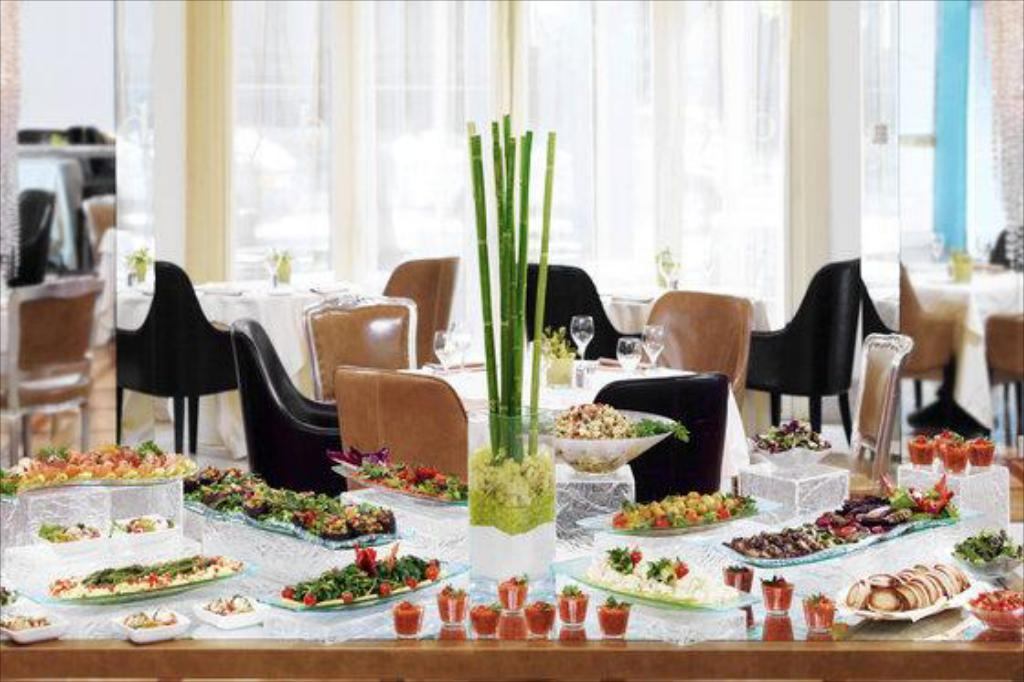 CC Travel Hub - The Westin Excelsior, Rome (dining area)