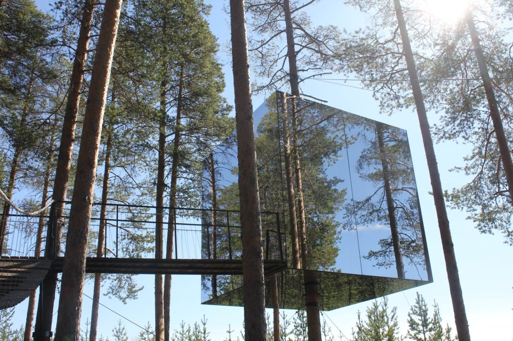 CCTravelHub - The Mirrorcube (Treehotel, Sweden)