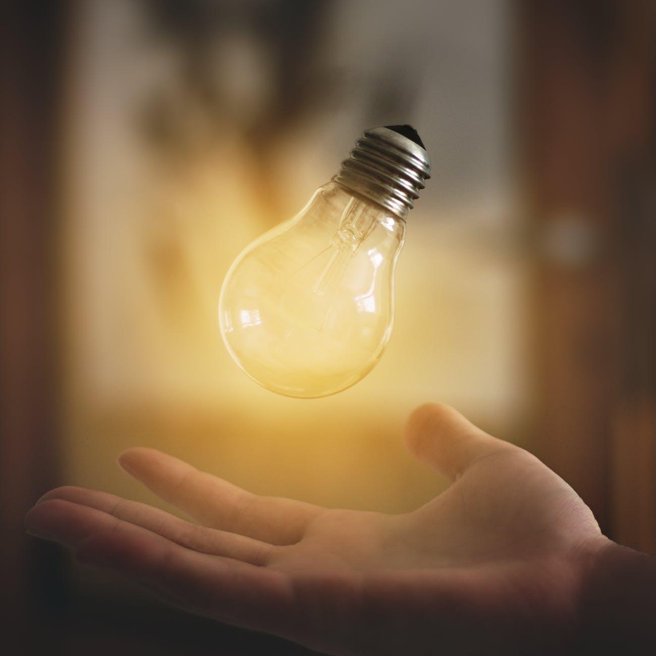 CCTravelHub - light bulb